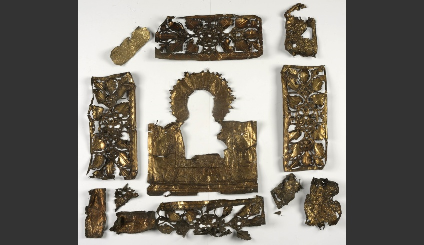 fig 11. The icon cover had been made of thin gilded foil-like tin plate that was crinkled and dirty. It was washed in suds.